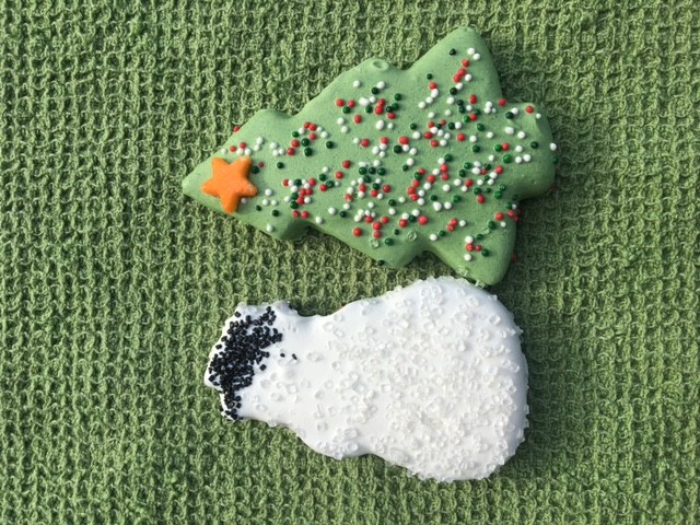 2 PC Snowman and Tree